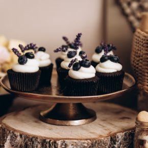 Ce este de preferat la nunta: Candy Bar sau Prajituri pe masa?